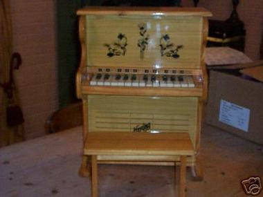 Hering_toy_piano